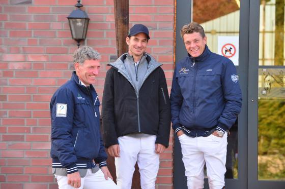 Die drei Einzel-Olympiasieger (Jeroen Dubbeldam, Steve Guerdat, Ludger Beerbaum v.r.) trafen sich schon 2015 in Riesenbeck | Foto: RI